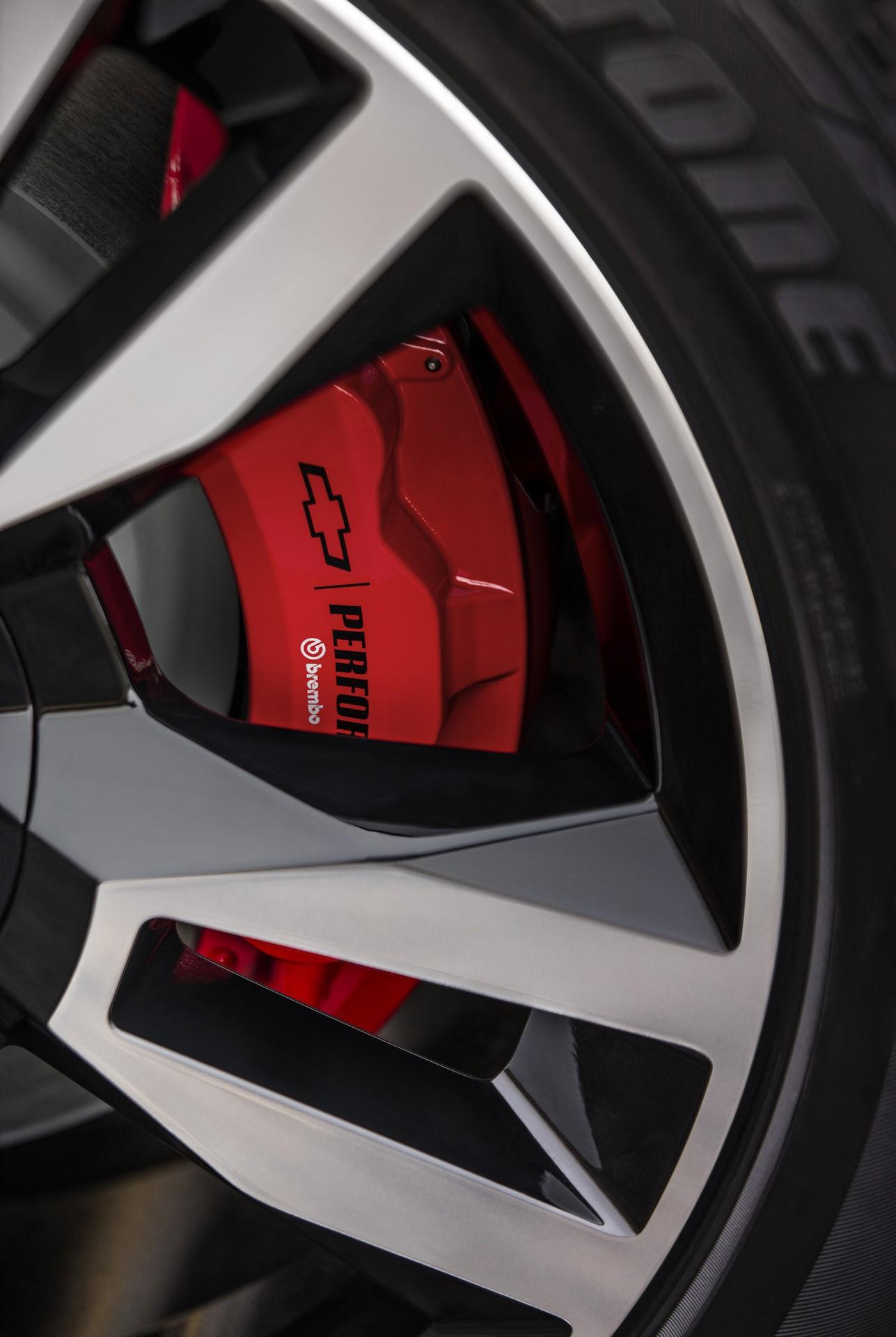 2018 Chevrolet Tahoe RST Brembo brake package