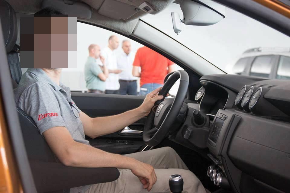 Dacia Duster 2018 Interior (11)