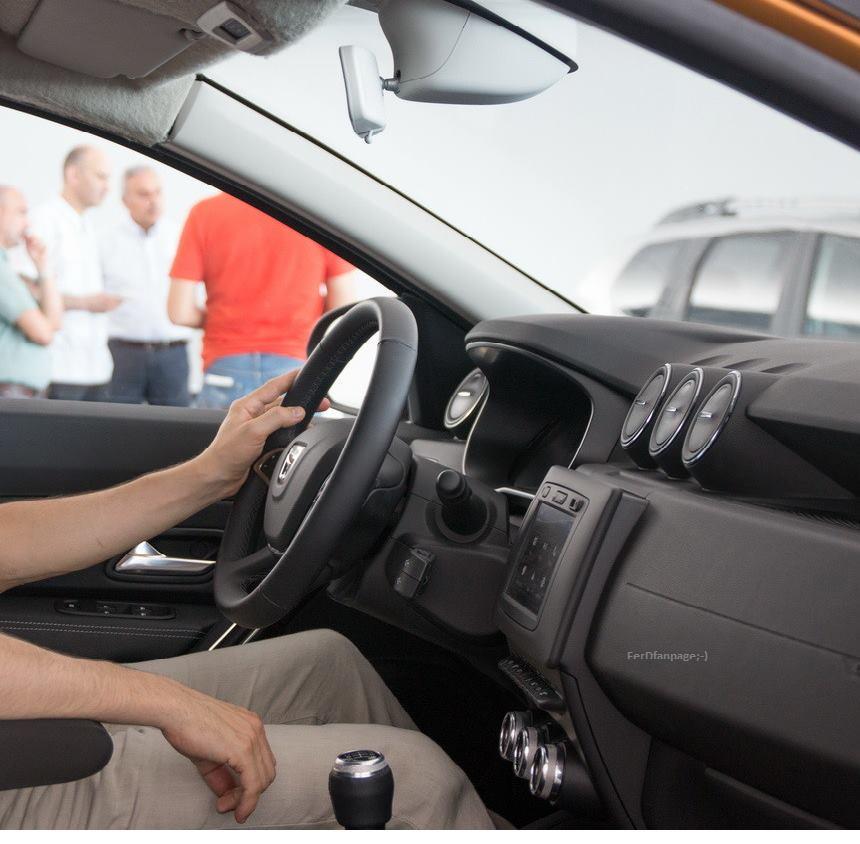 Dacia Duster 2018 Interior (8)