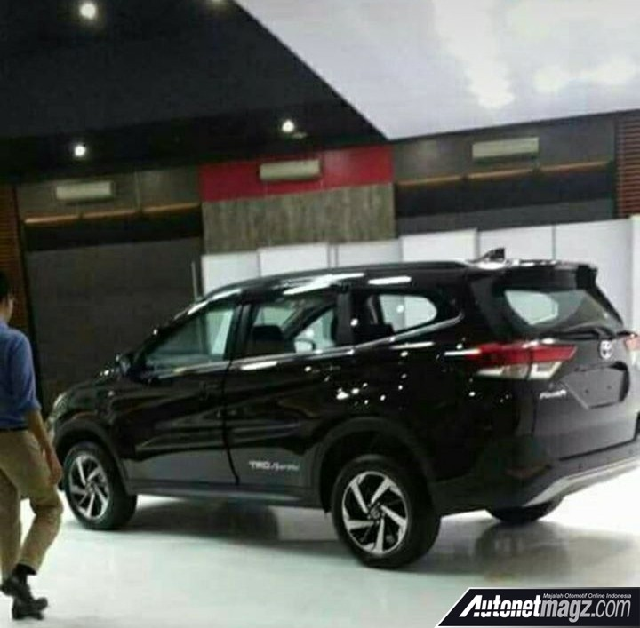 Daihatsu Terios 2018 leaked (7)