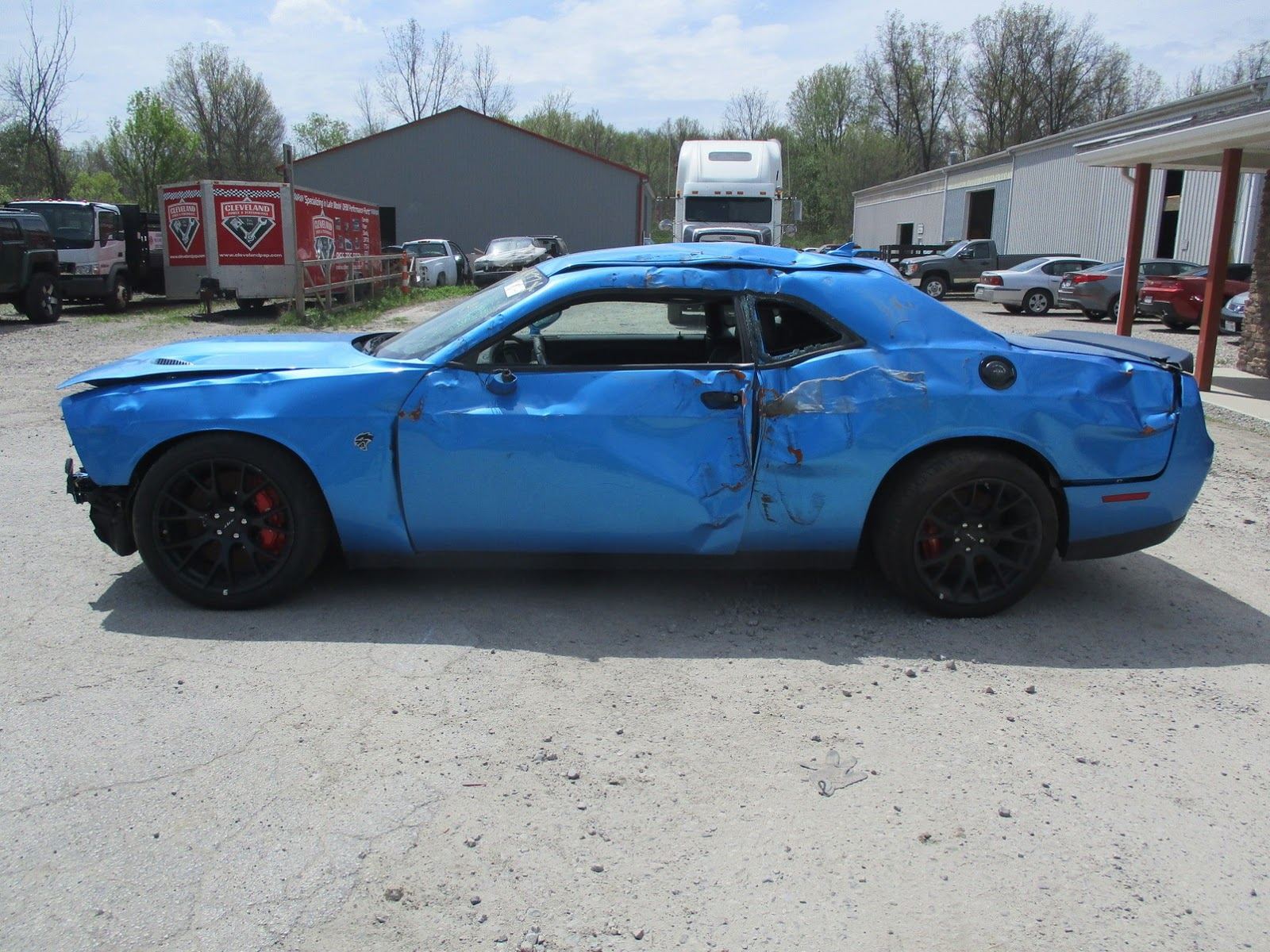 Dodge Challenger Hellcat crashed (7)