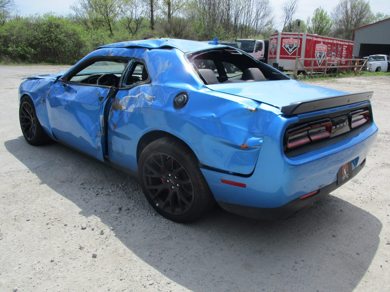 Dodge Challenger Hellcat crashed (8)