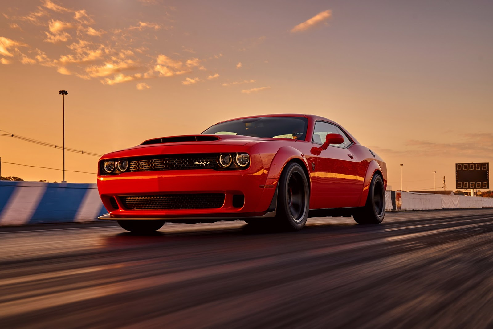 2018-Dodge-Challenger-Demon-12