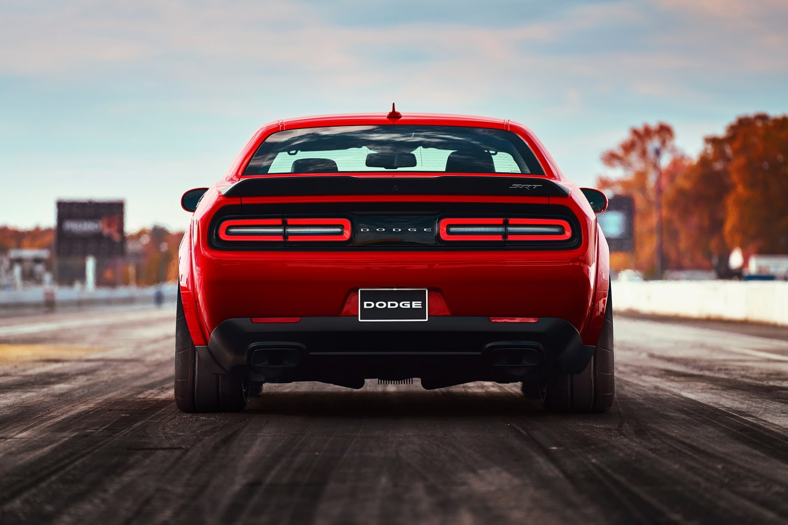 2018-Dodge-Challenger-Demon-27