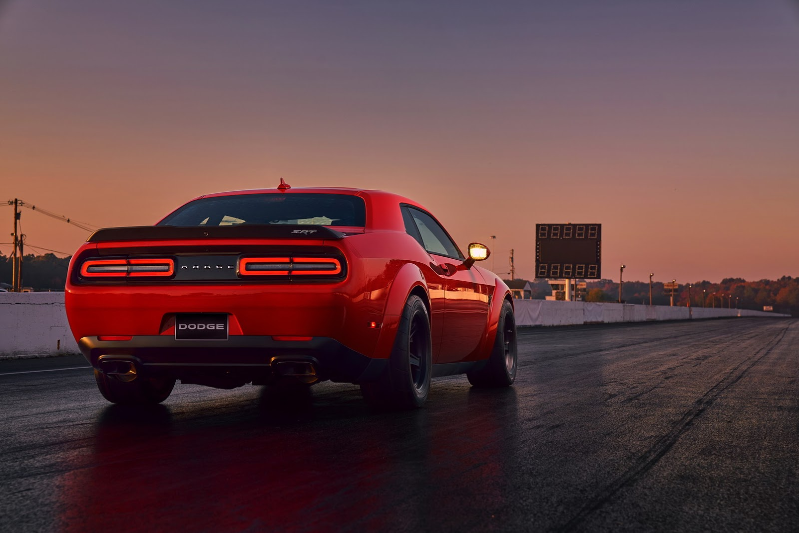2018-Dodge-Challenger-Demon-31