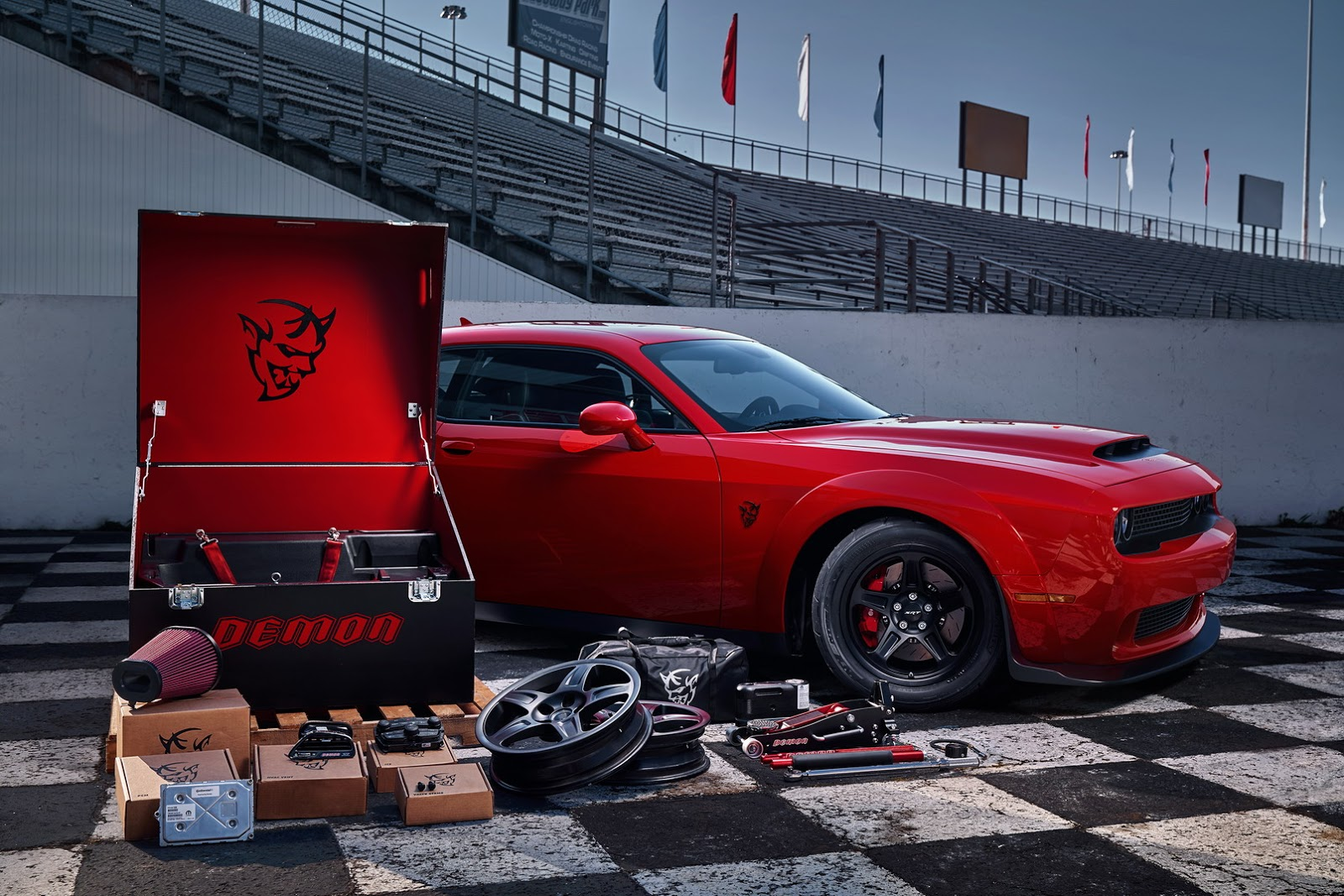 2018-Dodge-Challenger-Demon-42