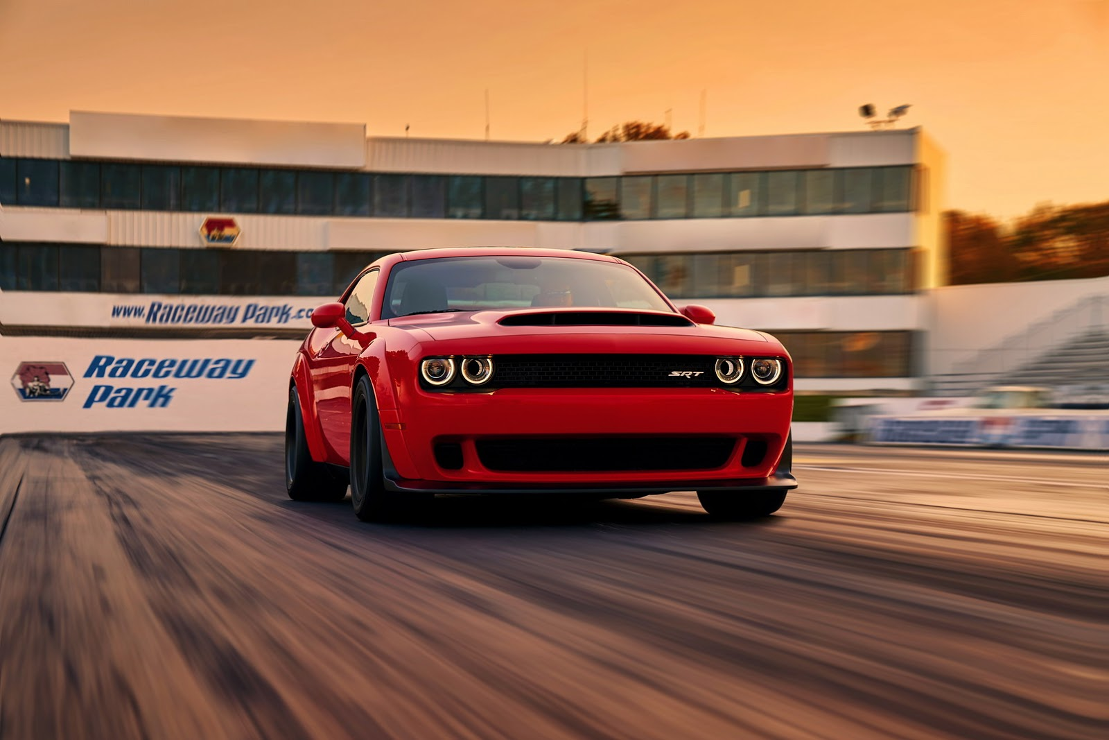 2018-Dodge-Challenger-Demon-5