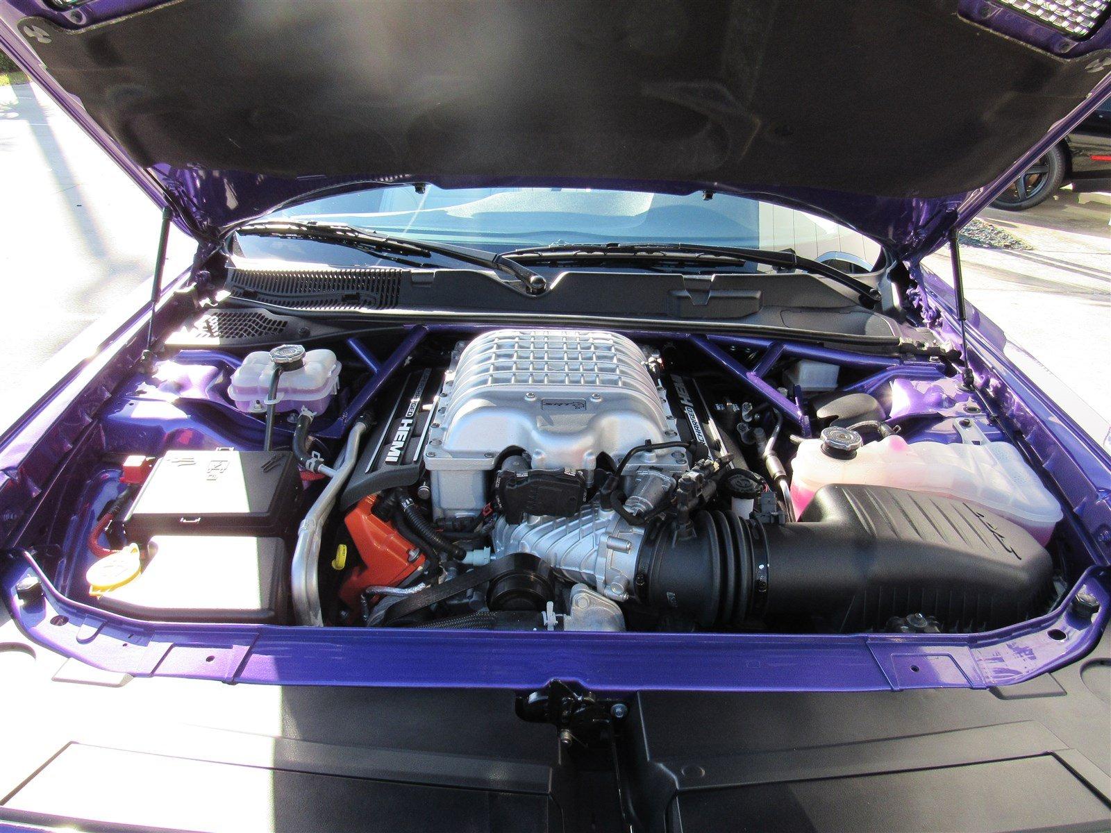 Dodge Challenger SRT Hellcat Convertible (18)