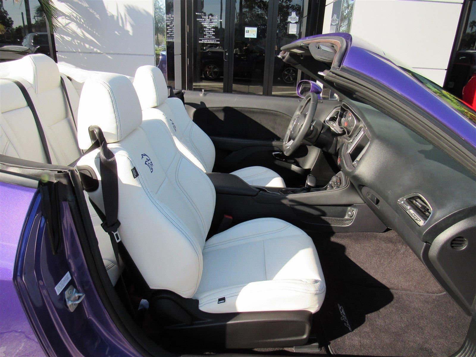 Dodge Challenger SRT Hellcat Convertible (24)