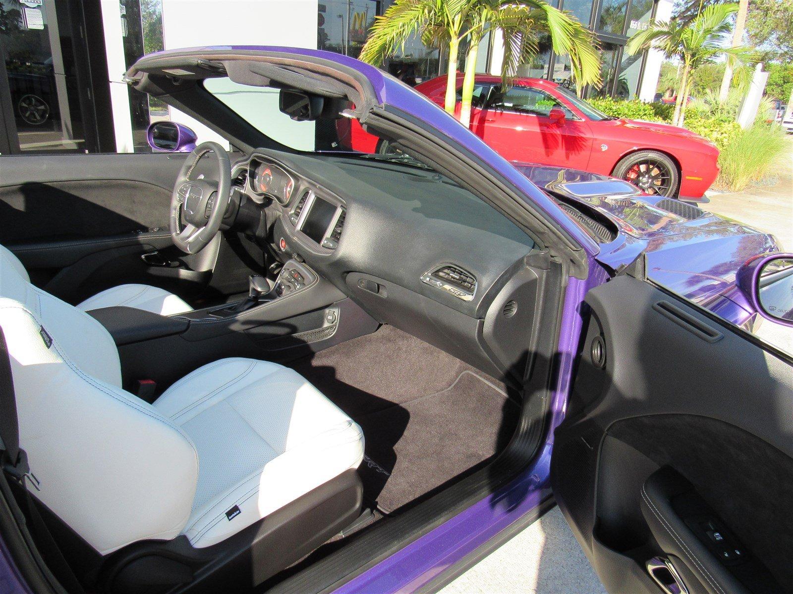 Dodge Challenger SRT Hellcat Convertible (26)