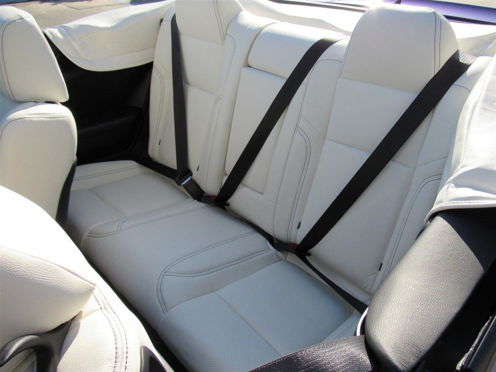 Dodge Challenger SRT Hellcat Convertible (28)