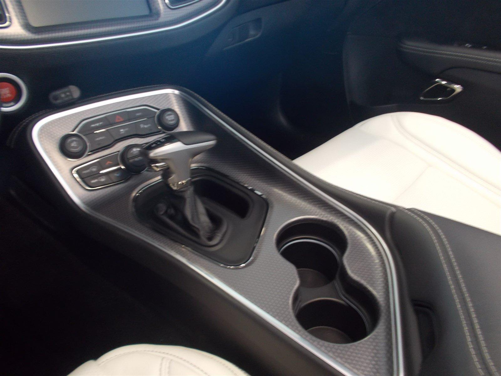 Dodge Challenger SRT Hellcat Convertible (35)
