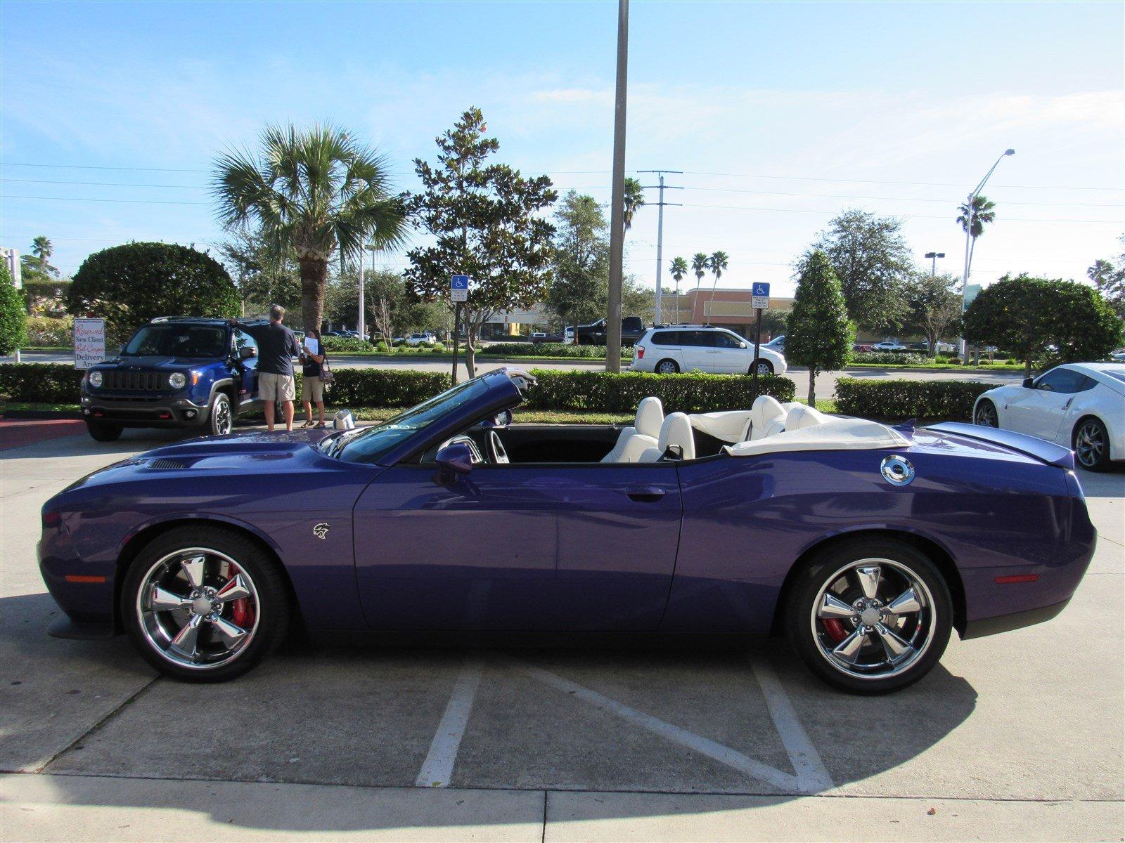 Dodge Challenger SRT Hellcat Convertible (5)