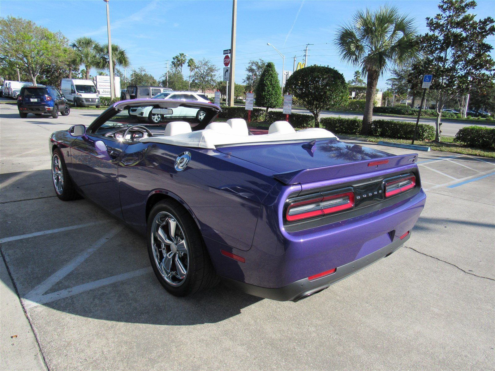dodge challenger srt hellcat convertible. Black Bedroom Furniture Sets. Home Design Ideas