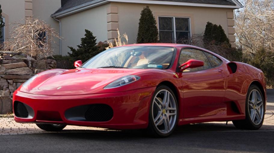 Donald_Trump_Ferrari_F430_02