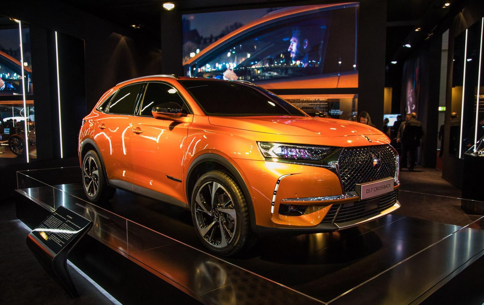 DS-7-Crossback-001
