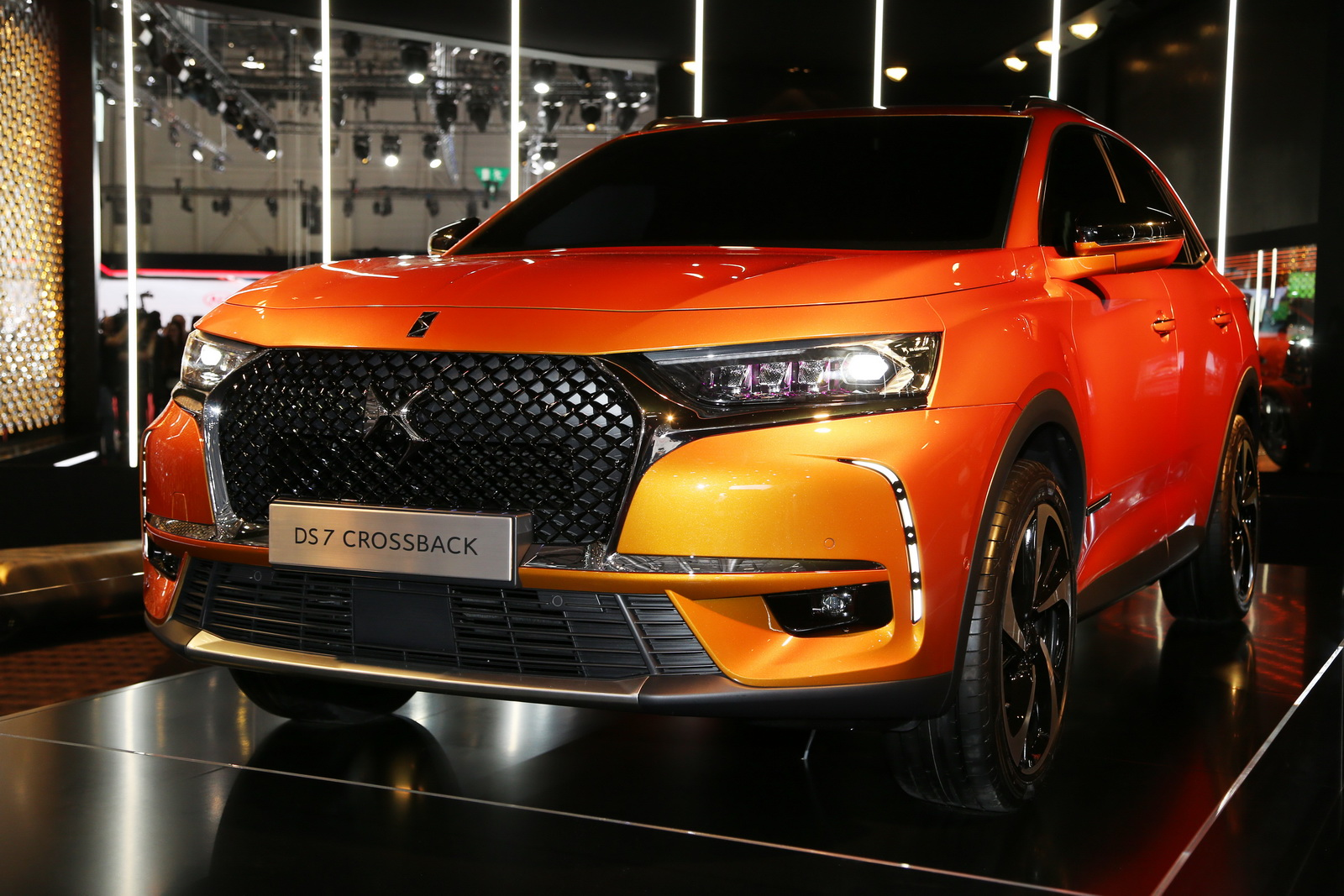 DS7-Crossback-01