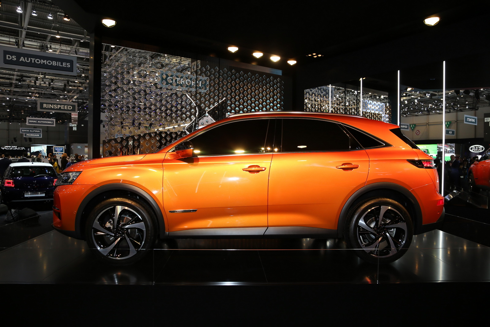 DS7-Crossback-05
