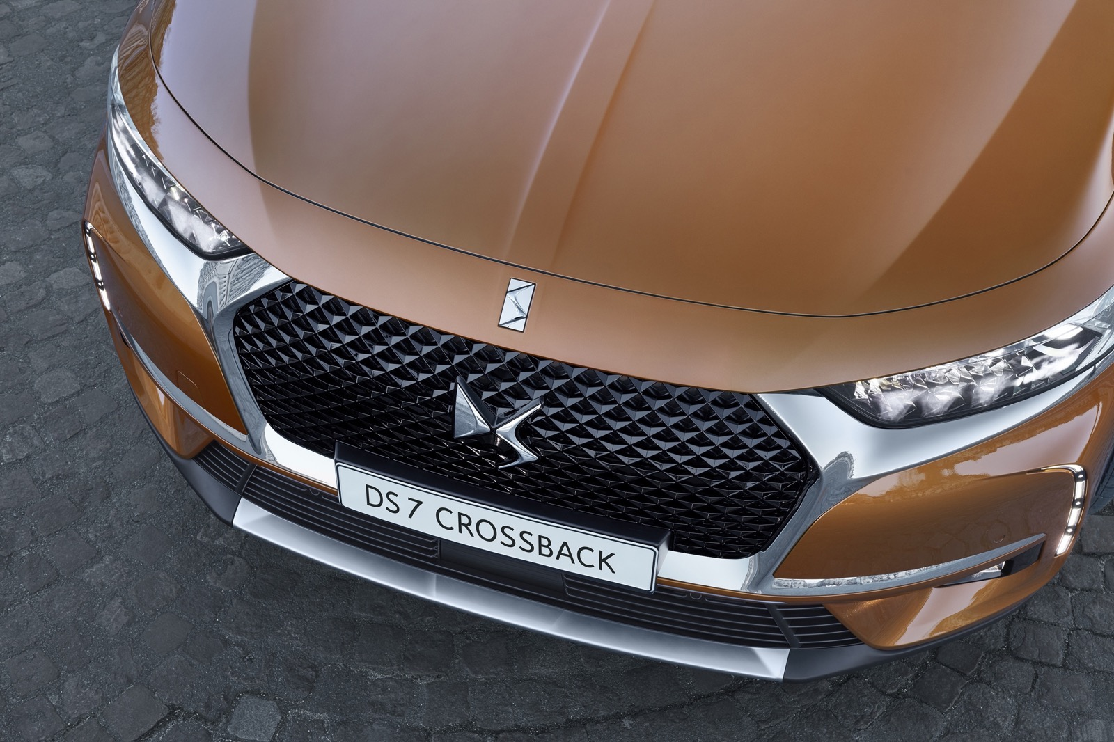 DS_7_Crossback_01