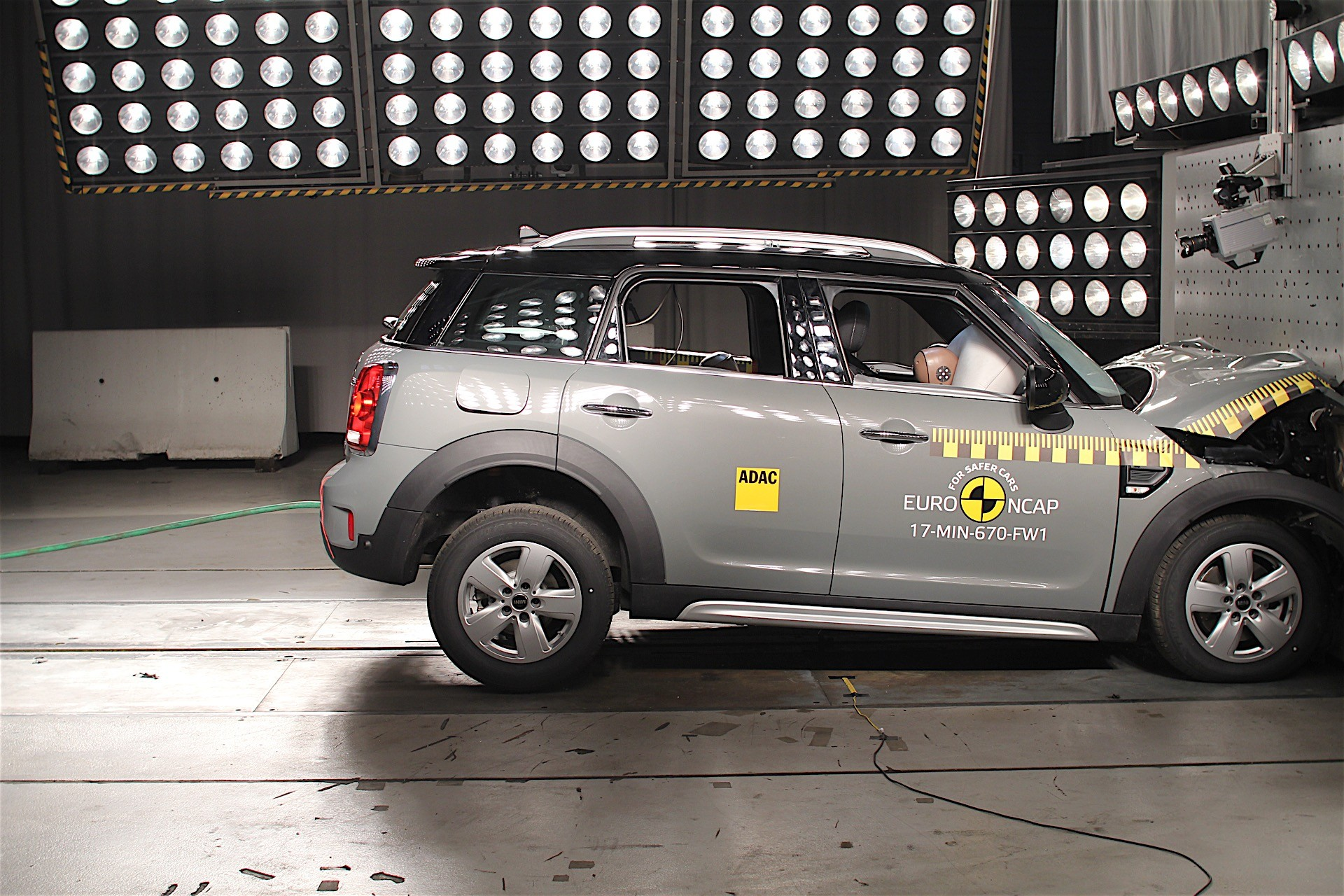 Euro NCAP crash tests may 2017 (23)