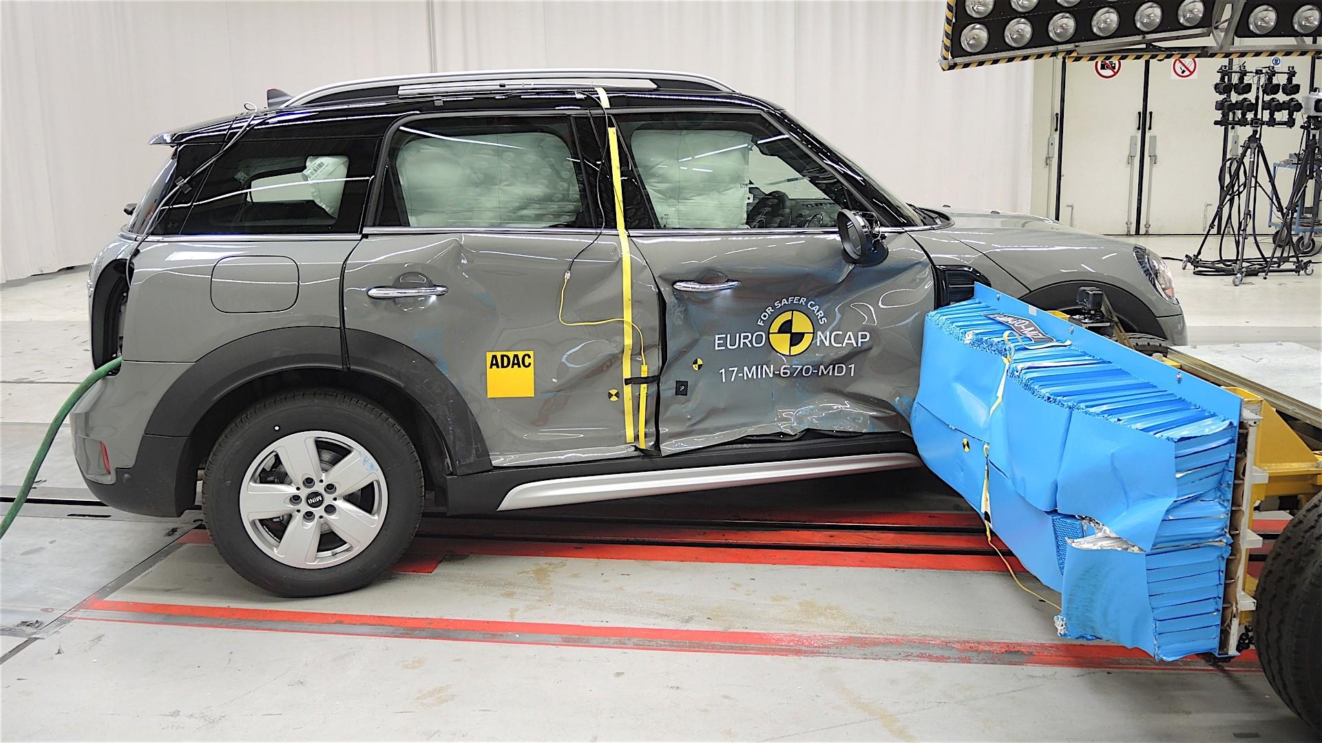 Euro NCAP crash tests may 2017 (25)