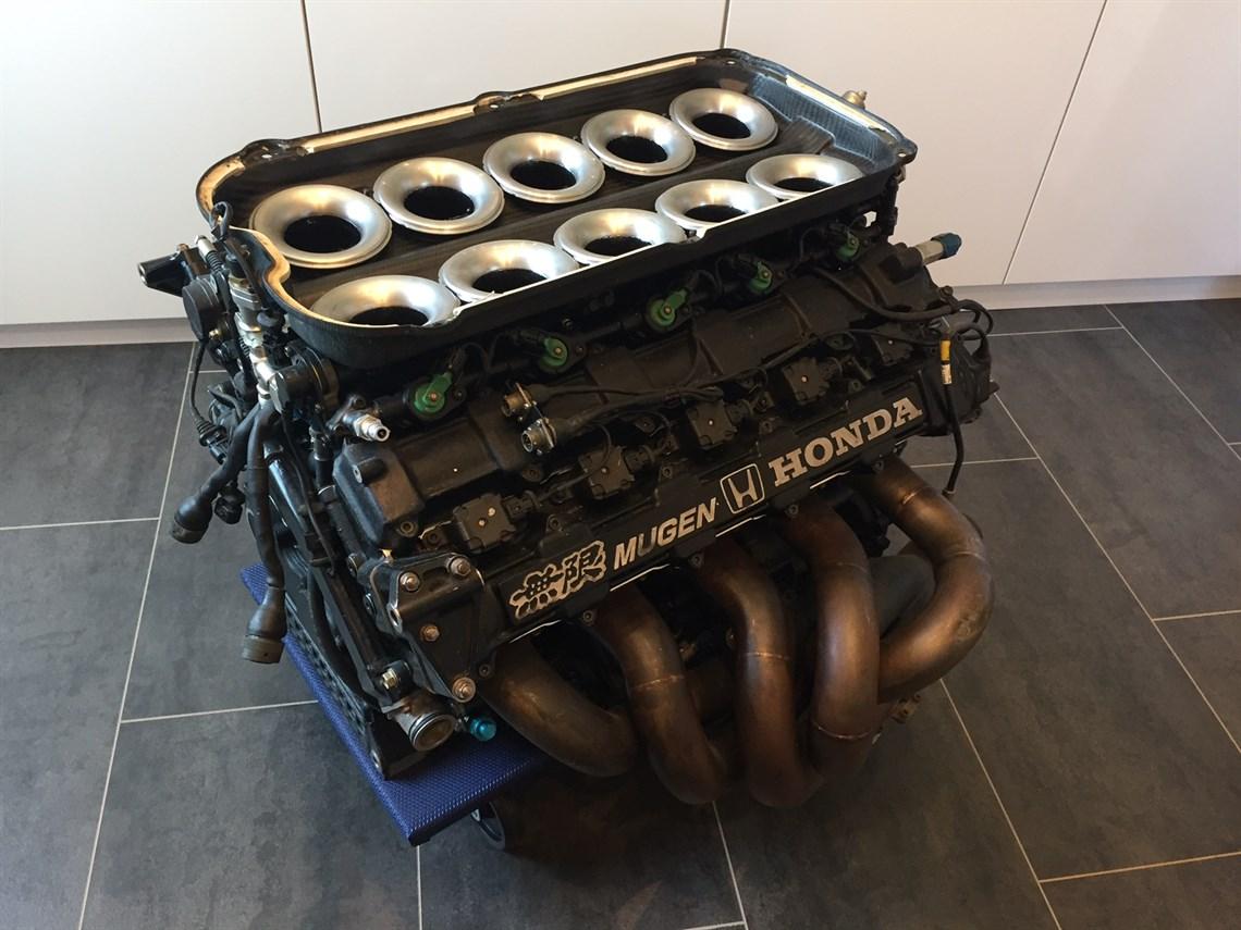 F1 V10 Mugen-Honda MF-35104