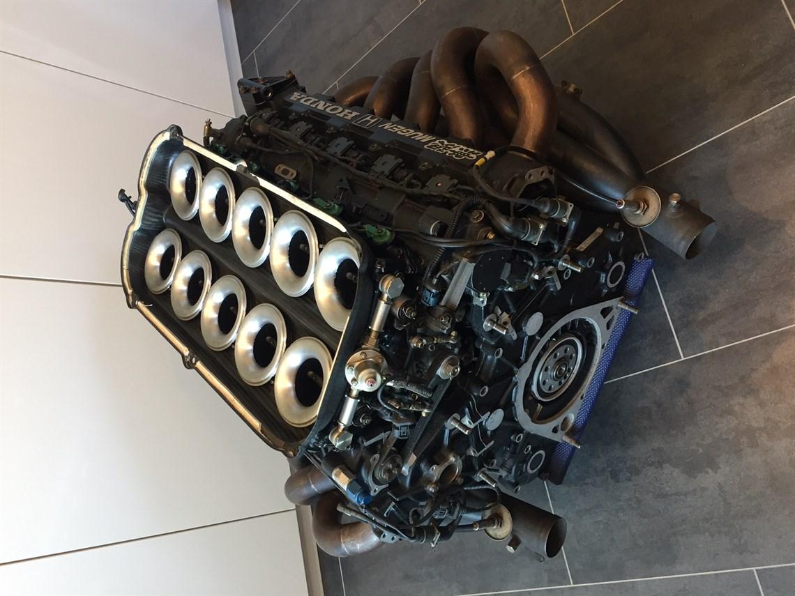 F1 V10 Mugen-Honda MF-35105