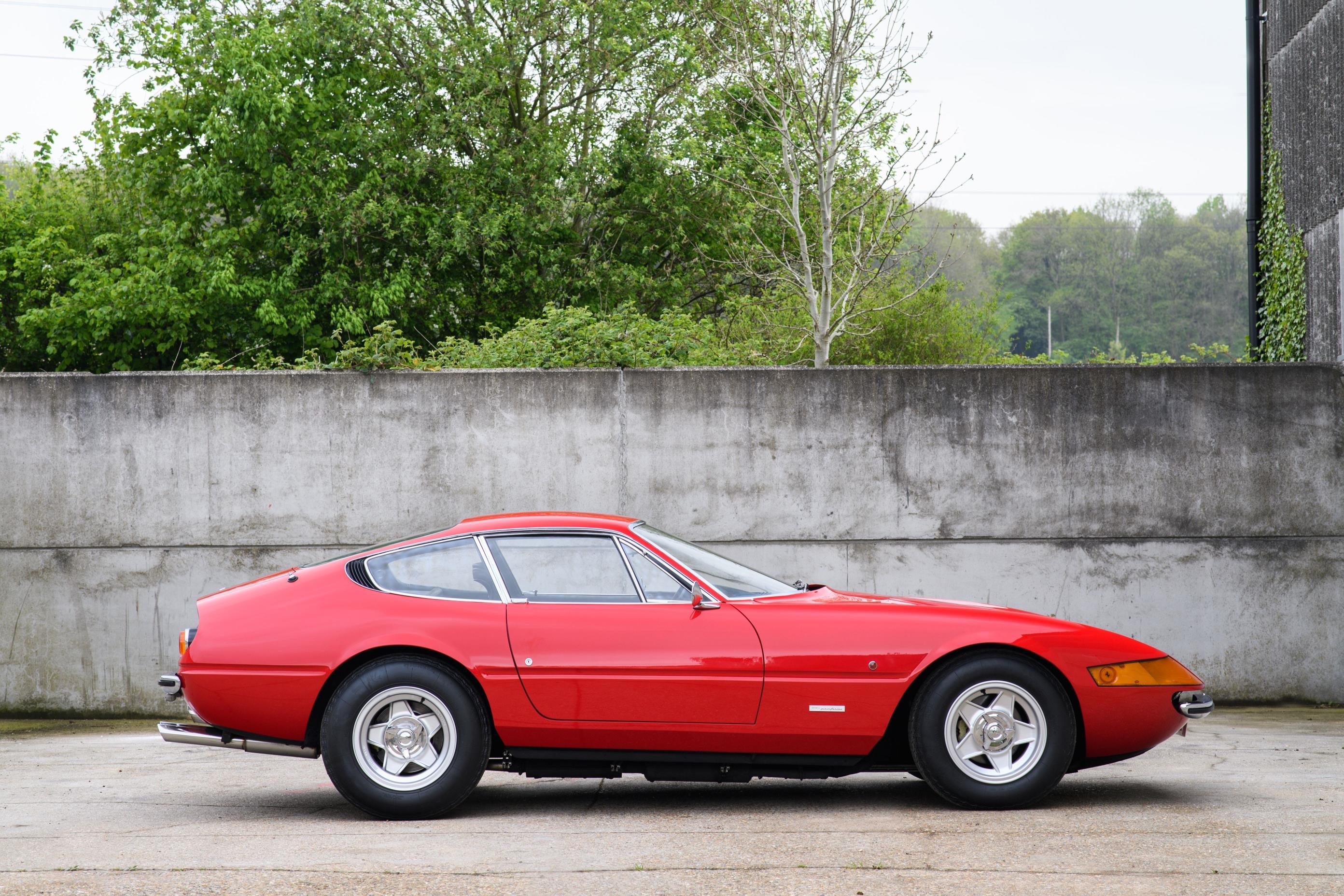 Ferrari 365 GTB4 Daytona Elton John (11)