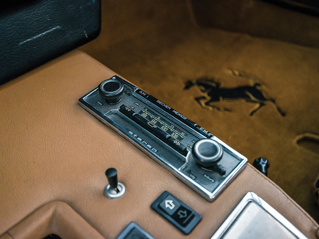 Ferrari 365 GTB4 Daytona in auction (14)
