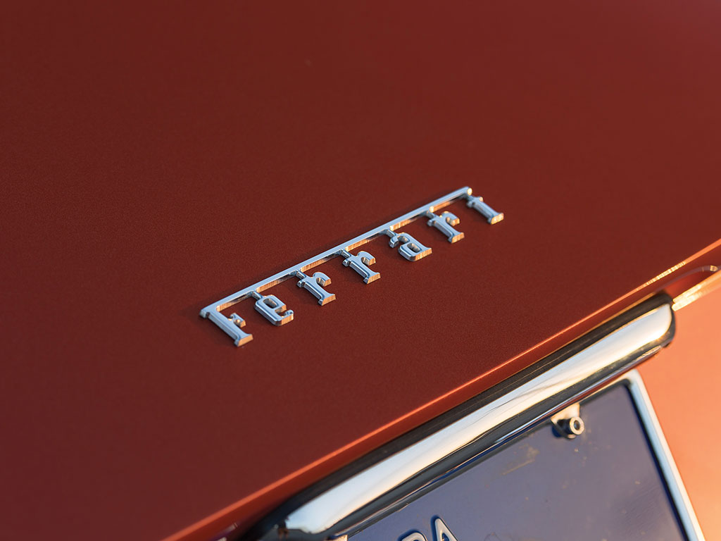 Ferrari 365 GTB4 Daytona in auction (17)