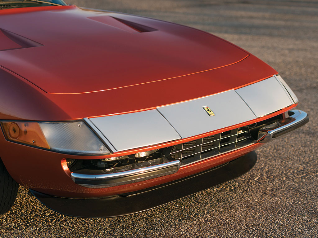 Ferrari 365 GTB4 Daytona in auction (19)