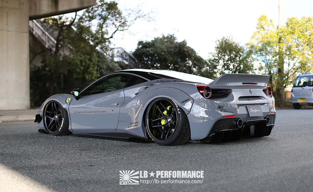 Ferrari_488_GTB_Liberty_Walk_03