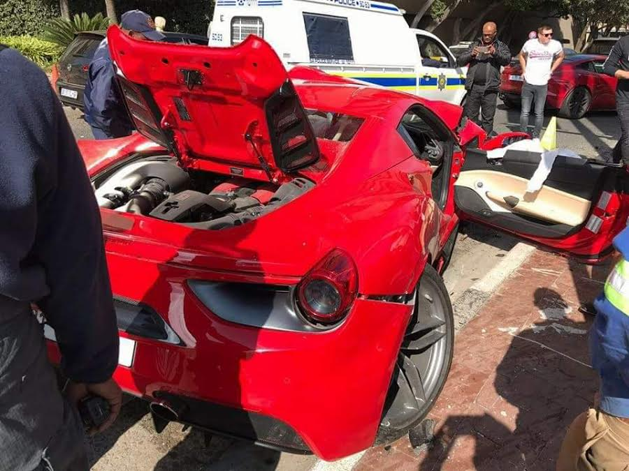 Ferrari-488-Crash-2