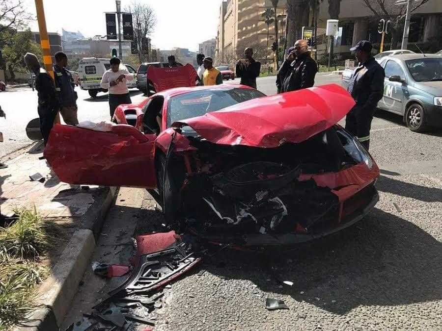 Ferrari-488-Crash-3