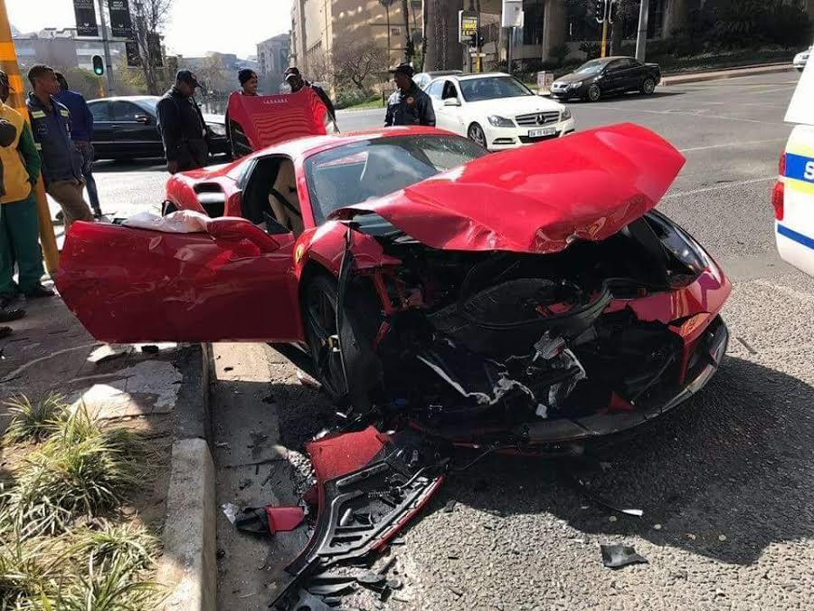 Ferrari-488-Crash-4