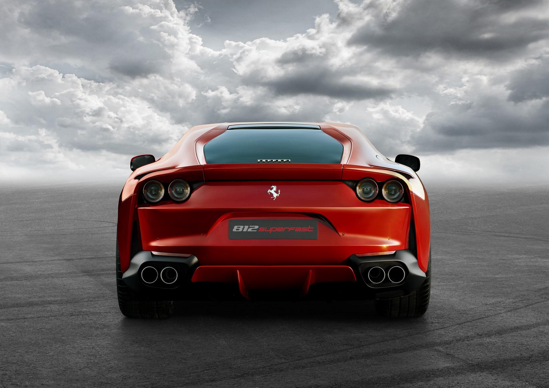 Ferrari 812 Superfast (3)