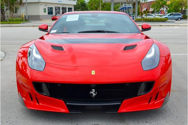 Ferrari_F12tdf_0006