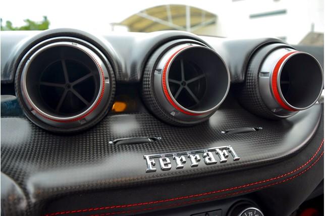 Ferrari_F12tdf_0016