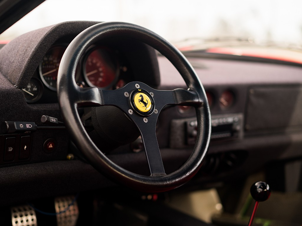 Ferrari F40 for auction (11)