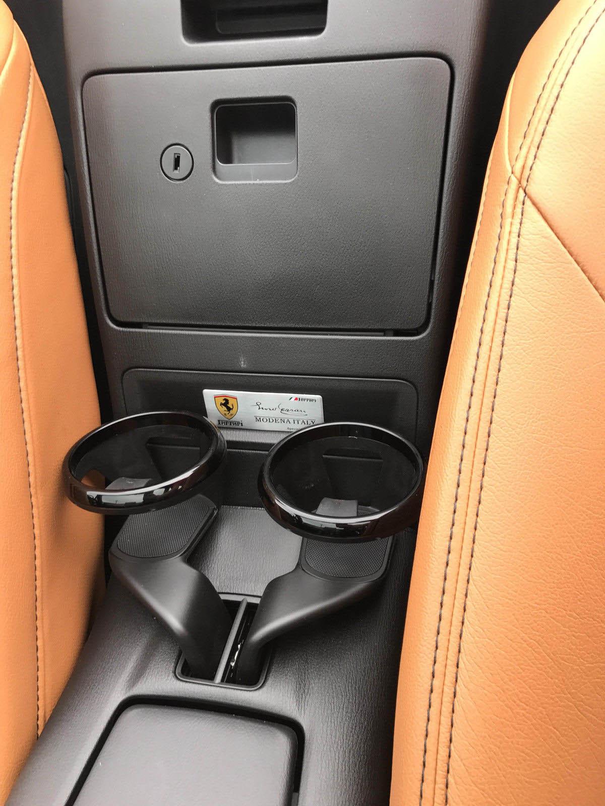 Fiat 124 Spider wannabe Ferrari (5)