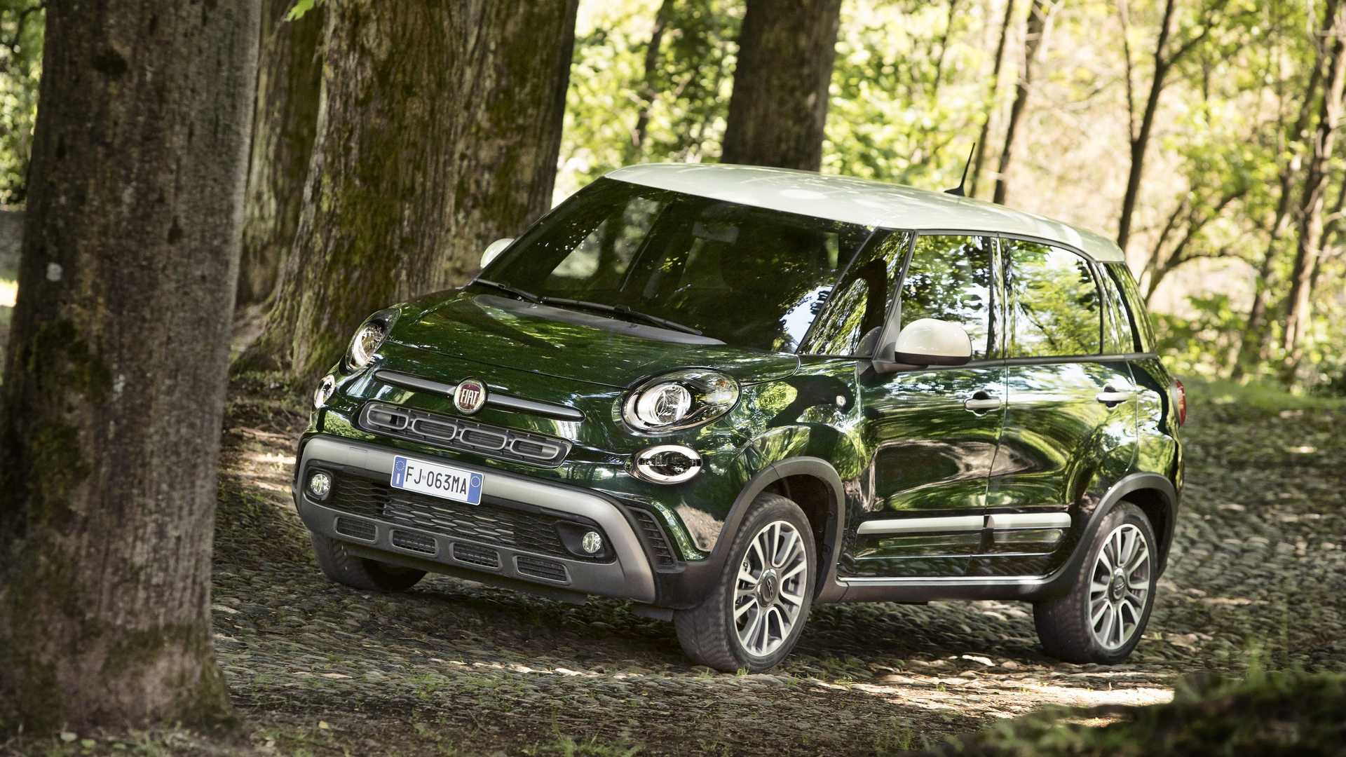 2018_Fiat_500L_cross_facelift_02