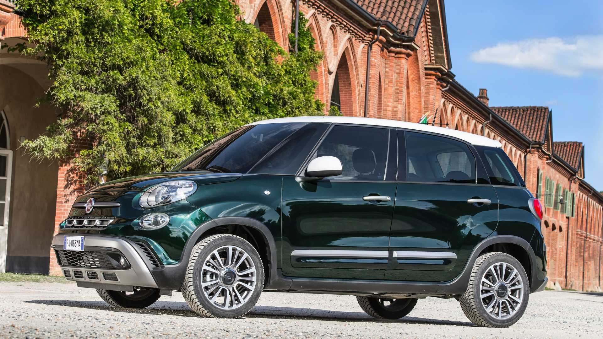 2018_Fiat_500L_cross_facelift_03
