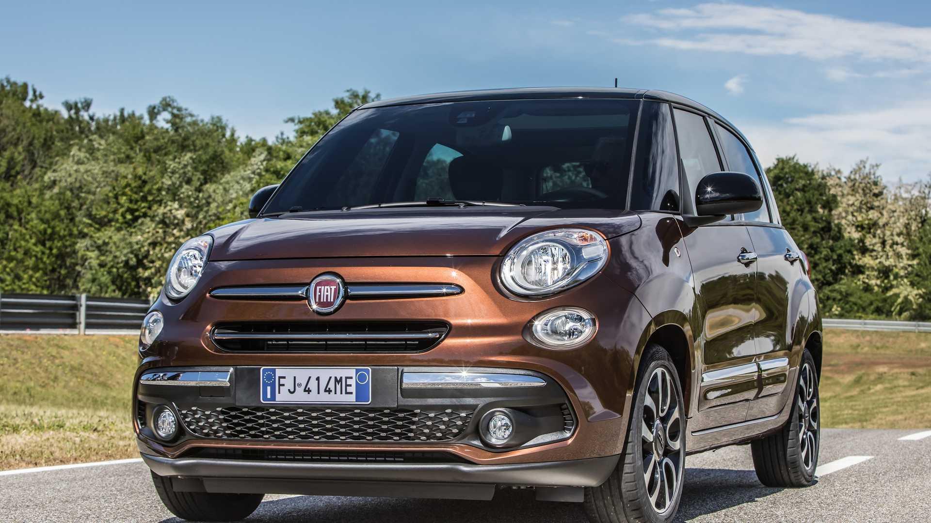 2018_Fiat_500L_facelift_01