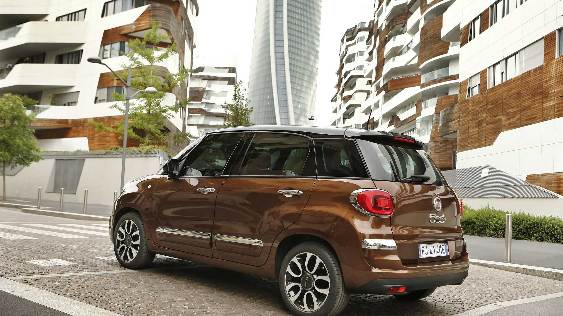 2018_Fiat_500L_facelift_10