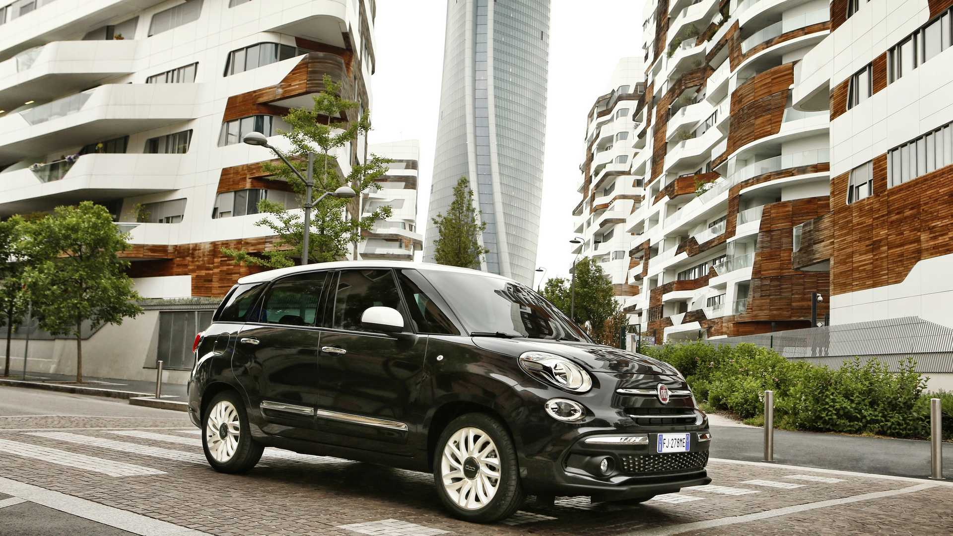 2018_Fiat_500L_wagon_facelift_04