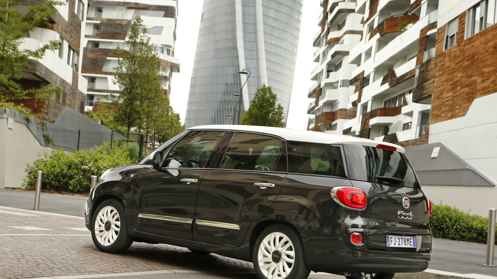 2018_Fiat_500L_wagon_facelift_07