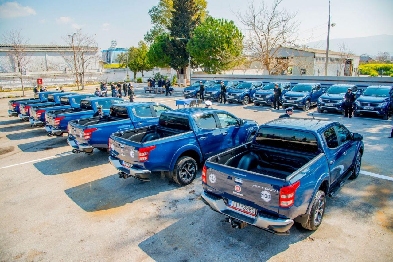 Fiat Fullback kai Talento polemiko nautiko (5)