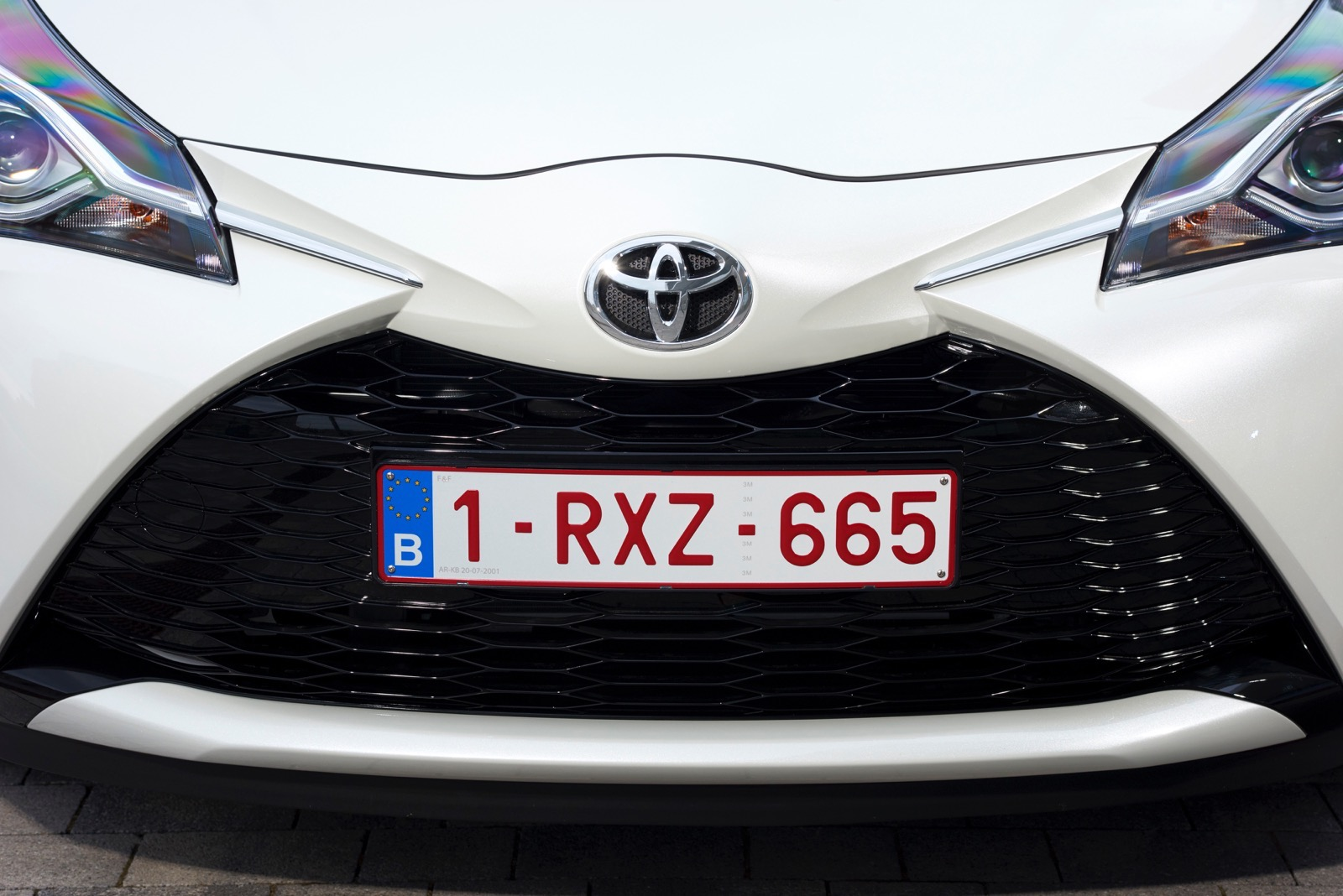First_Drive_2017_Toyota_Yaris_04