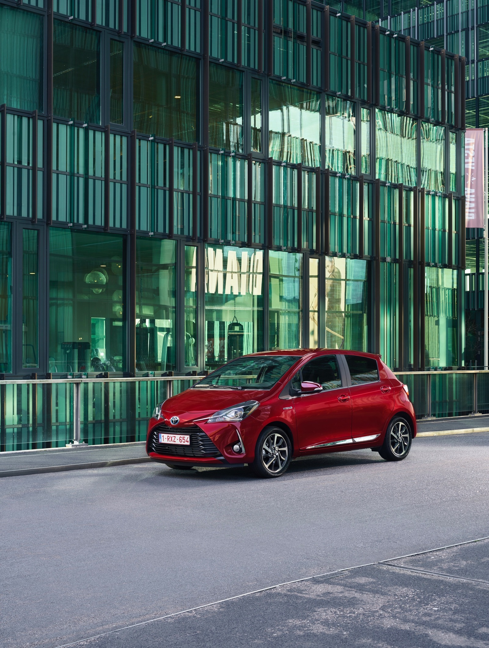 First_Drive_2017_Toyota_Yaris_120