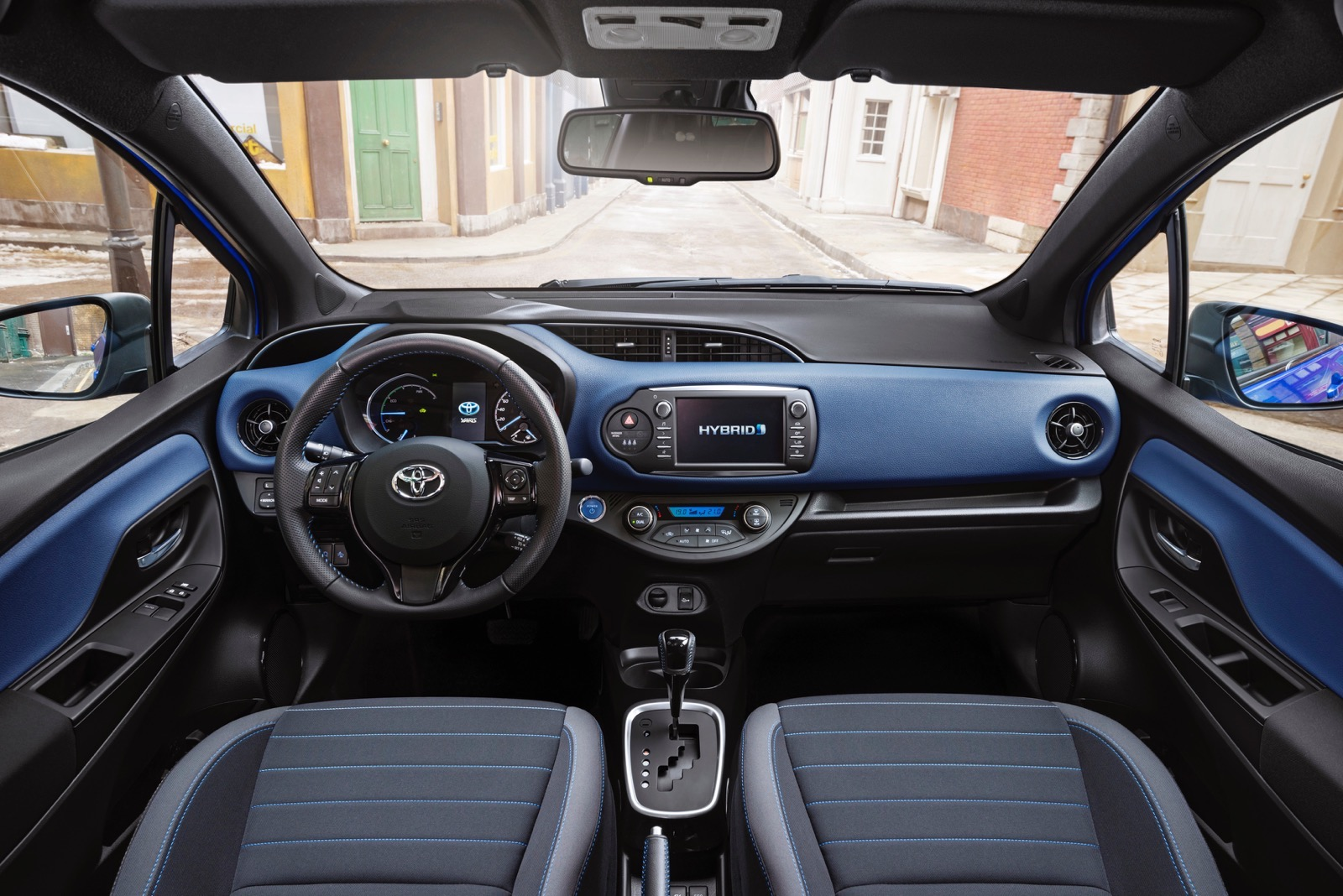 First_Drive_2017_Toyota_Yaris_153